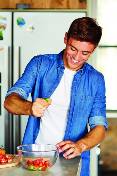 5 Simple Life Hacks with Olympian Tom Daley