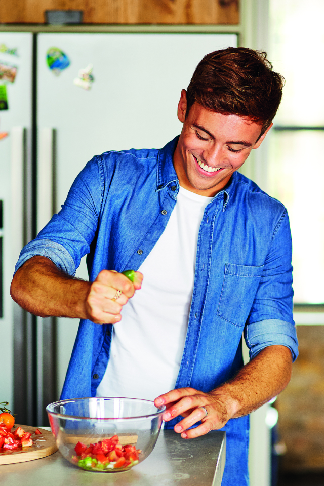 5 Simple Life Hacks with Olympian Tom Daley | DonalSkehan.com, Tom Daley&#039;s top tips for nailing time management! <br />