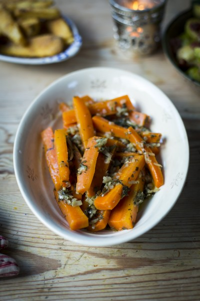 Roasted Carrots in a Bag with Herby Butter