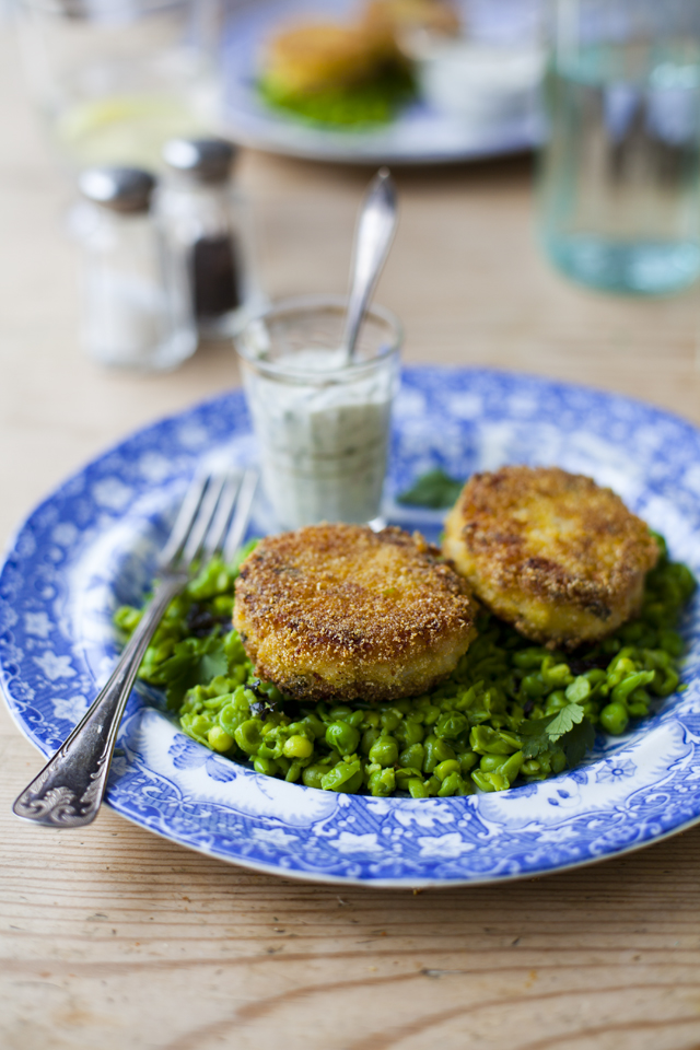 Fish Cakes Minty Peas_6