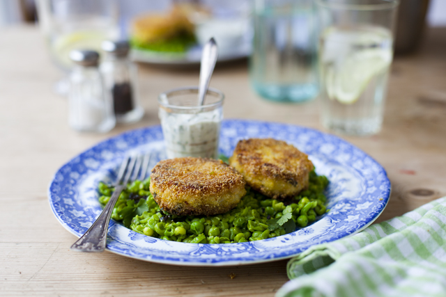 Fish Cakes Minty Peas_8