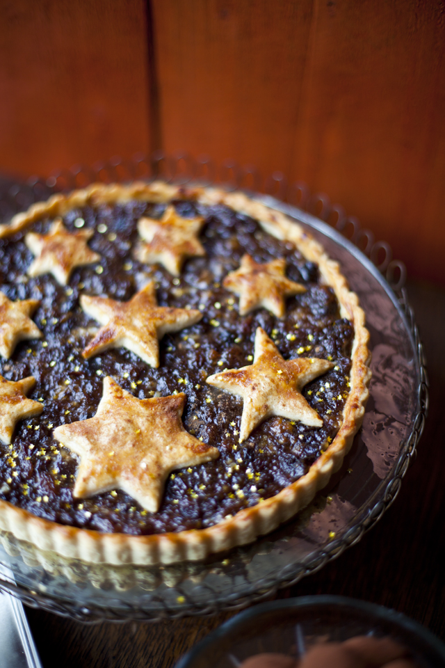 Mince Pie Tart | DonalSkehan.com, A festive classic ready in a snap!