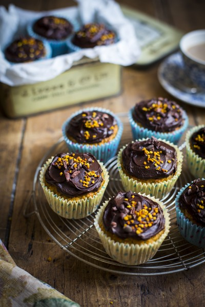 Juicer Muffins with Chocolate Glaze