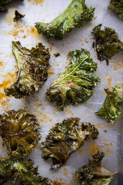 Spicy Kale Chips | DonalSkehan.com, Quick and easy superfood snack, packed full of minerals and vitamins!
