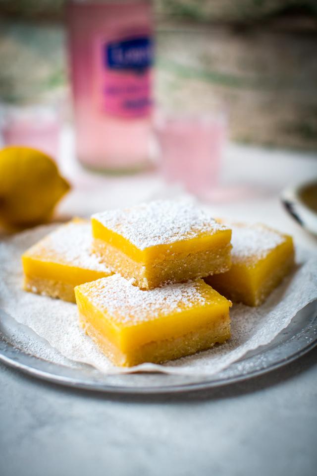 Lemon Bars | DonalSkehan.com, A quick dessert that packs a zesty zing!