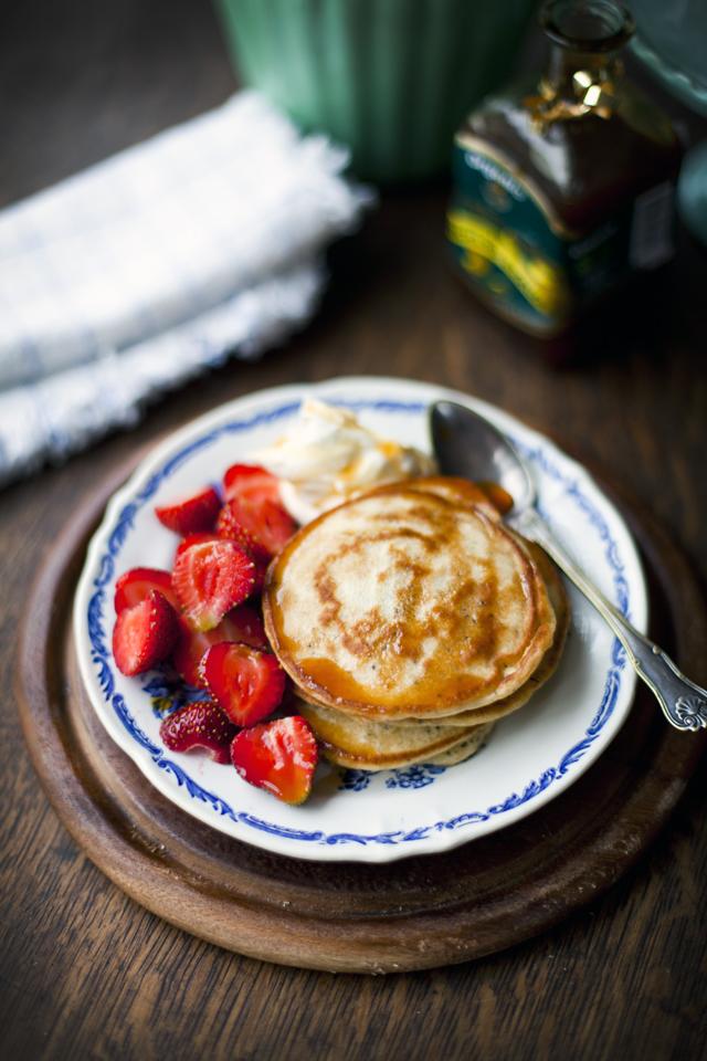 Lemon & Poppyseed Pancakes with Strawberries_2