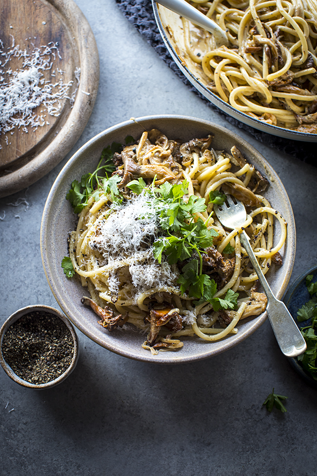 Creamy Garlic Mushroom Pasta | DonalSkehan.com