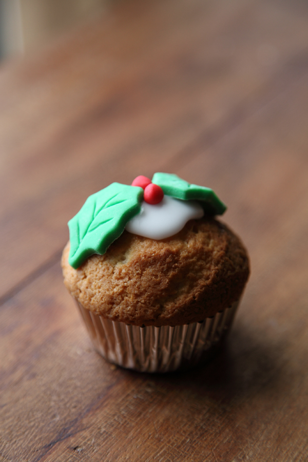 Christmas Cupcake Recipe | DonalSkehan.com, A dainty alternative to traditional christmas dessert.