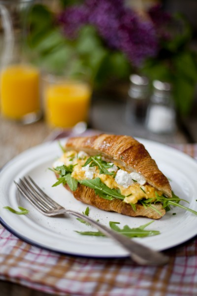 Scrambled Eggs with Goat's Cheese and Rocket
